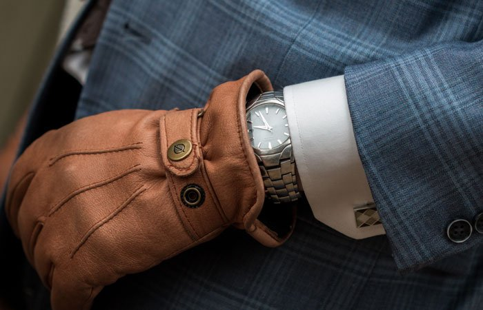 leather gloves | gifts guys actually want | guest post www.sahmplus.com