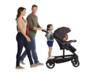 Graco UNO2DUO stroller lifestyle image