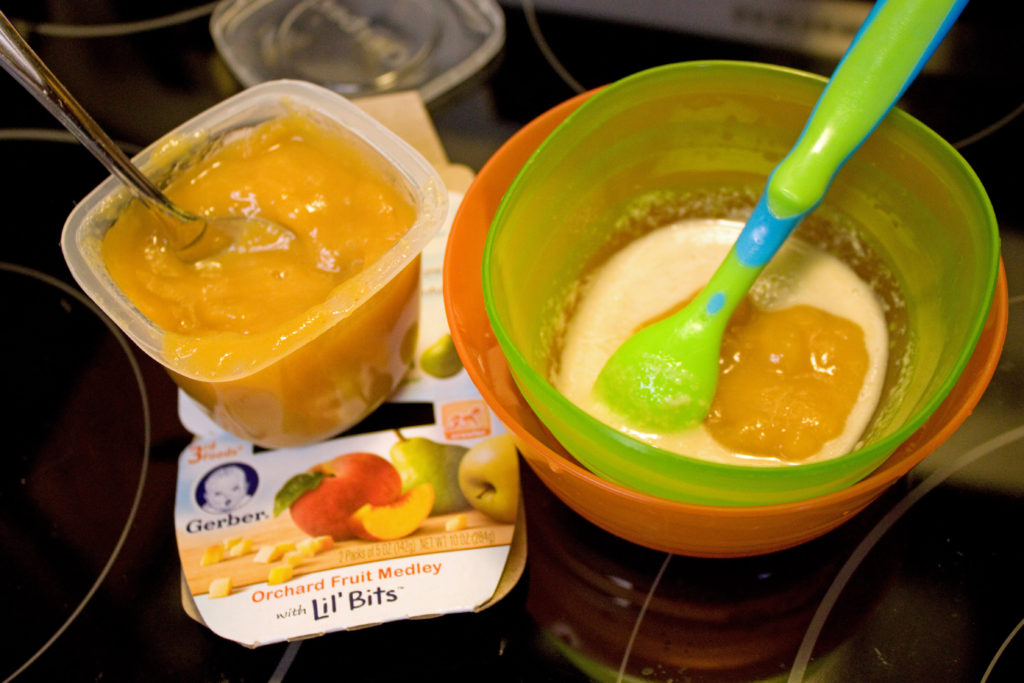 baby oatmeal and orchard fruit medley Gerber 3rd foods lil bits