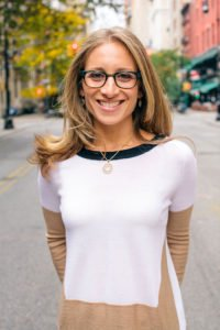 Randi Zinn Headshot in a guest post on 10 holiday gifts that promote self care for moms