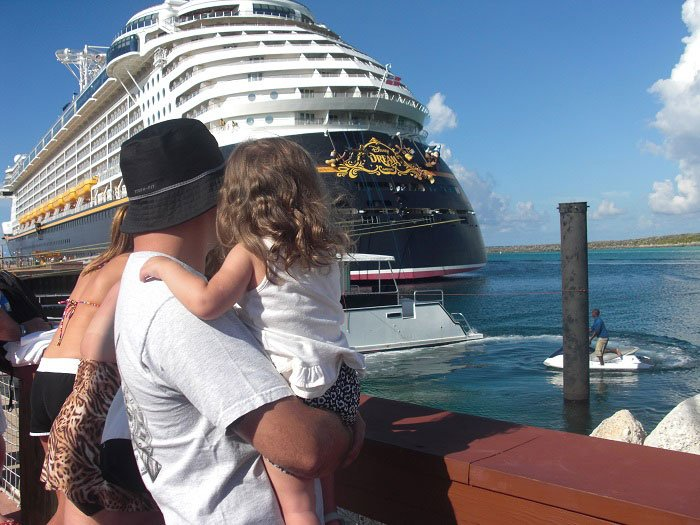 daddy and S on Disney Cruise - cruising with a toddler | www.sahmplus.com