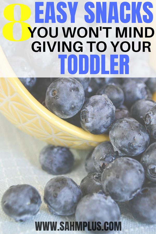 Easy toddler snacks for little fingers. Toddler-approved snack ideas mom finds simple toddler thinks fun! | sahmplus.com