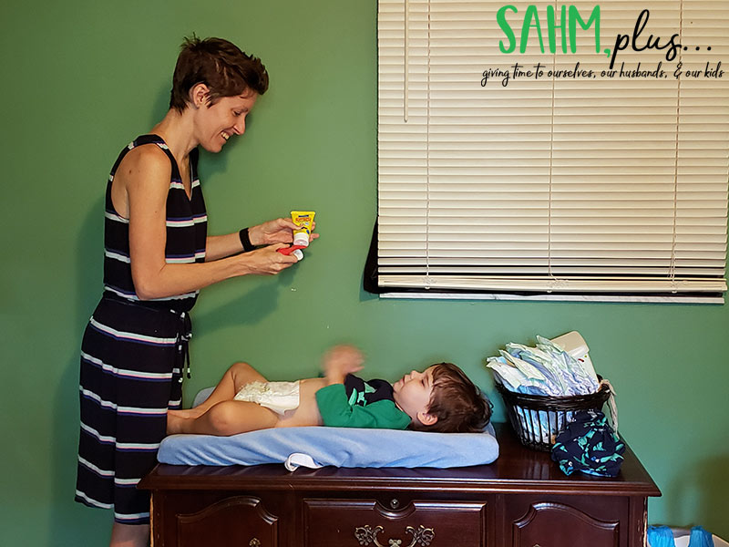 Using Boudreaux's Butt Paste and Butt Brush for diaper rash | sahmplus.com