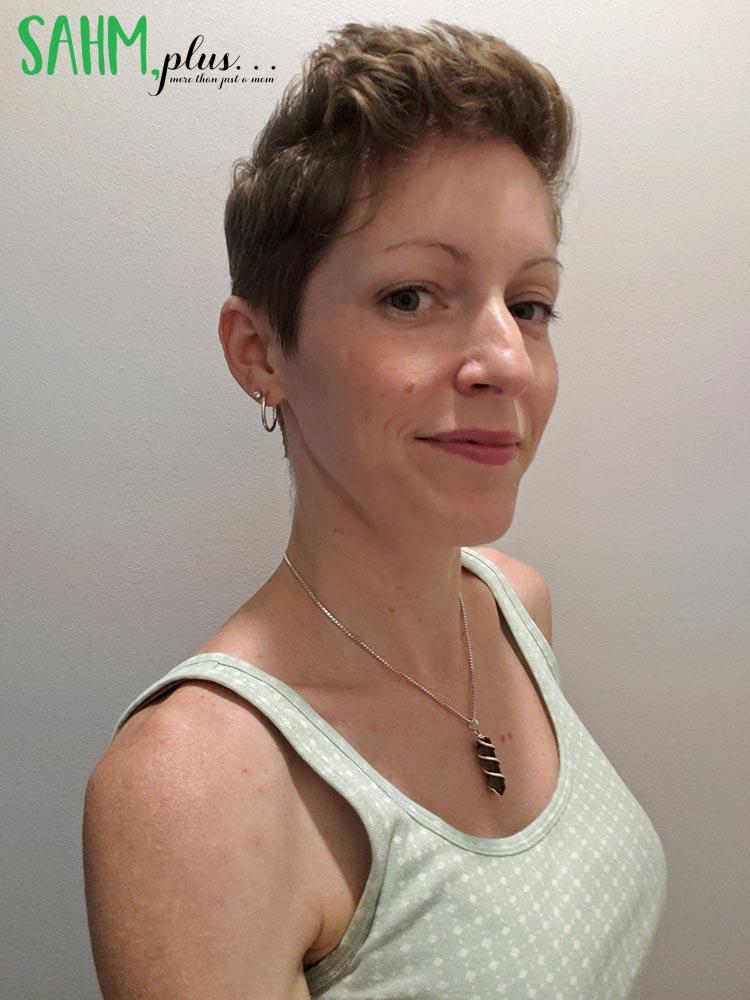 ivy after using desert essence anti-breakage hair care for short hair | sahmplus.com
