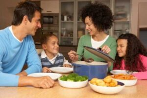 make time for your kids with regular family meals
