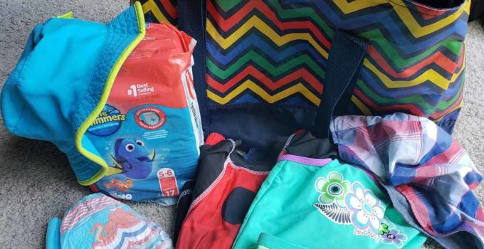 A few must-have items for little kids at Discovery Cove for a Day | sahmplus.com