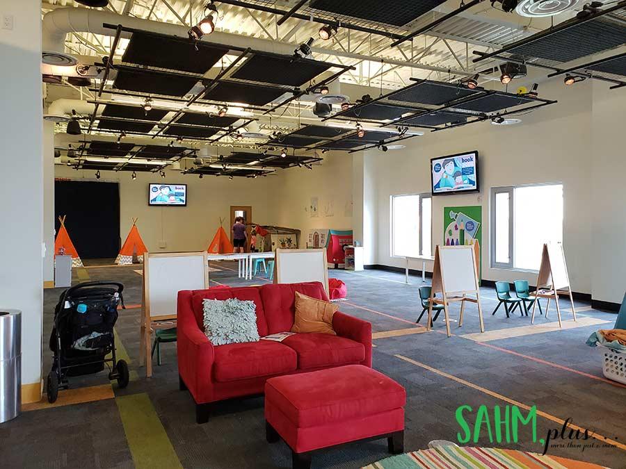 A more quiet space for calmer activities for kids at Glazer Children's Museum | sahmplus.com