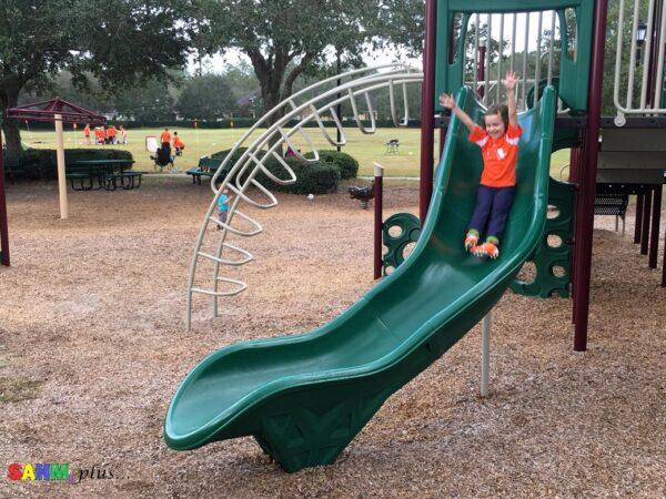 At the park - reward ideas for good behavior and filling a reward jar | www.sahmplus.com