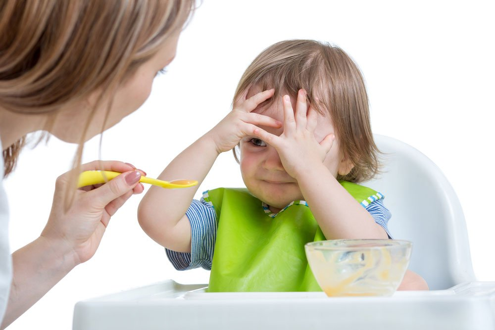 toddler refusing to eat dinner? how to end the toddler mealtime struggle with one simple tip   sahmplus.com