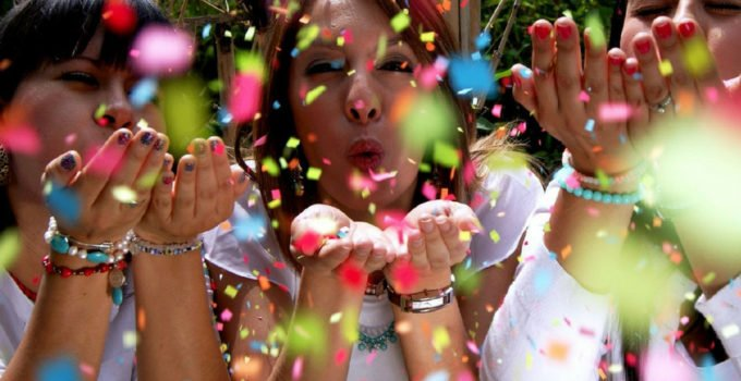Some call it a getting pregnant party others a TTC party. No matter what, the concept is the same ... you're ready to announce to the world you're hoping to have a baby. Echo shares this fun post with 5 ideas to help you throw a fabulous party for yourself or a friend who is trying to conceive   www.sahmplus.com