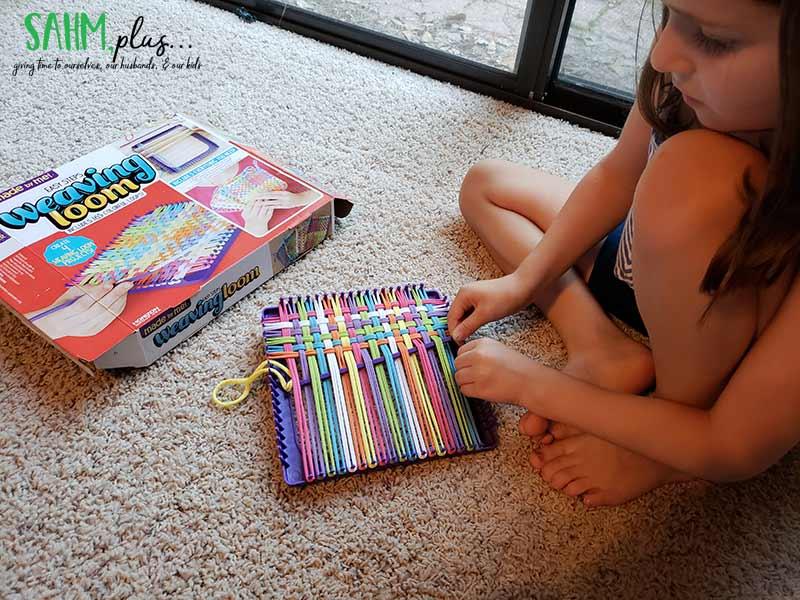 Weaving loom kit for kids 2018 holiday gift guide
